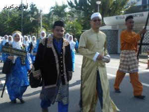 Puan Norliza, Bro Abu & Abd Rahman dengan fesyen rakyat Sabah - kontinjen SAHABAT