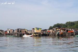 Rumah rakyat di Pulau Gaya. Rumah penyokong UMNO-BN atau bukan?
