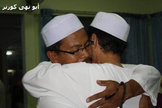 Daripada Hj Omar kepada Md Pozi, jawatan setiausaha beralih tangan. Tetapi kedua-dua mereka adalah orang Lembaga Koko. Semoga surau lebih ke hadapan lagi selepas ini.