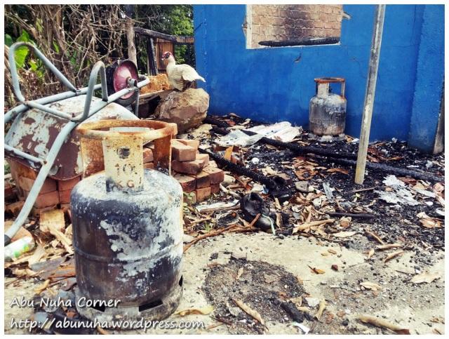 Rumah terbakar (11)
