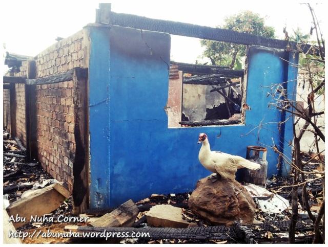 Rumah terbakar (2)