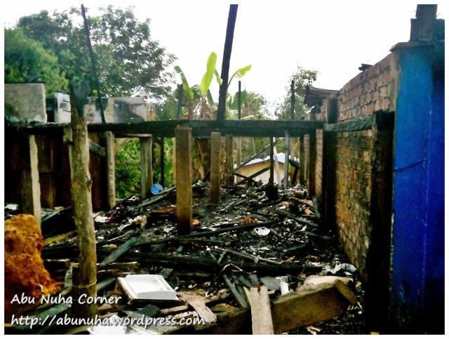 Rumah terbakar (3)