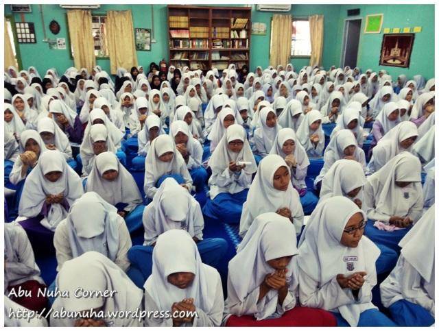 SMK Perempuan Likas (2)