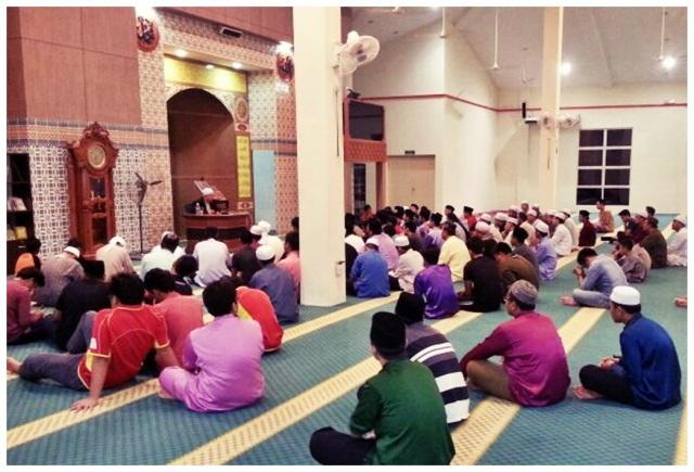 Masjid Daerah Putatan (1)