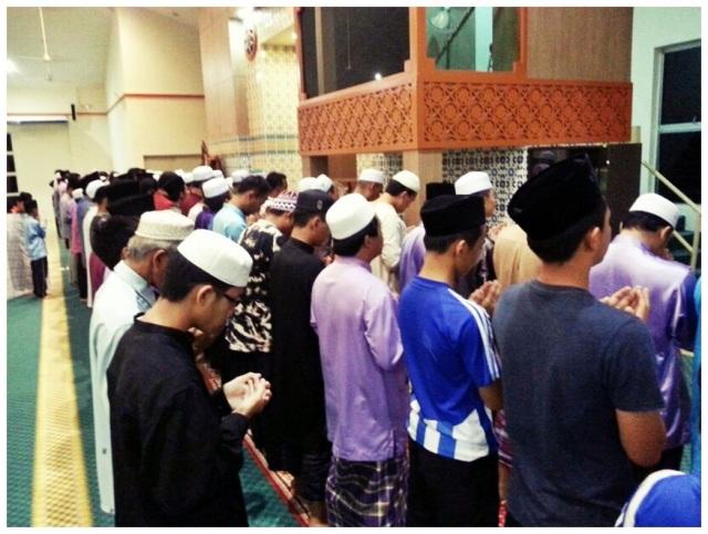 Masjid Daerah Putatan (2)
