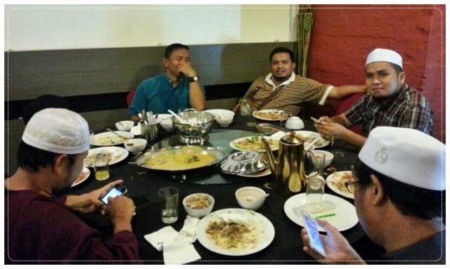 Makan Malam (2)
