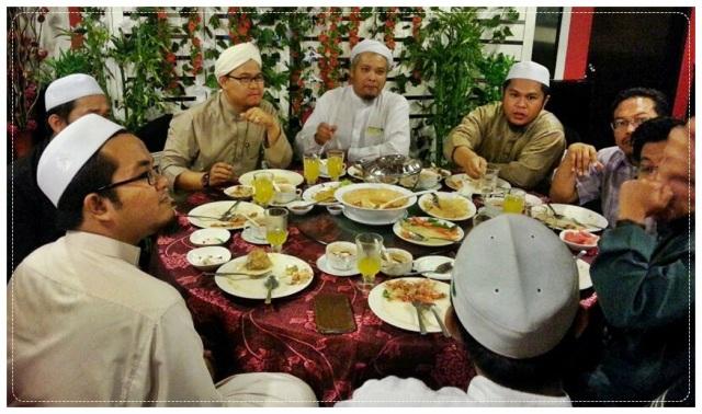 Makan Malam (3)