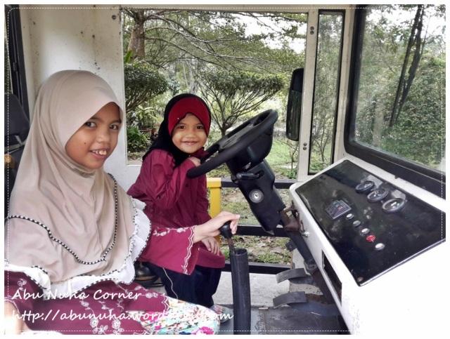 Zoo Lokkawi (3)
