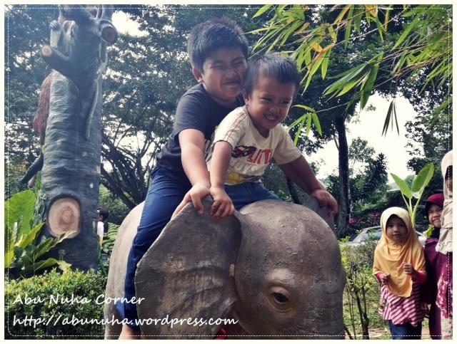 Zoo Lokkawi (7)